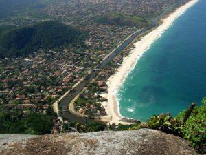 Morro do Elefante com vista para Itaipuaçu.
